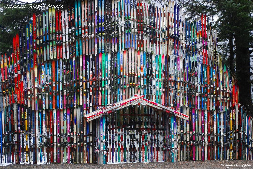 Gate Of Skis Alaska Kulkea