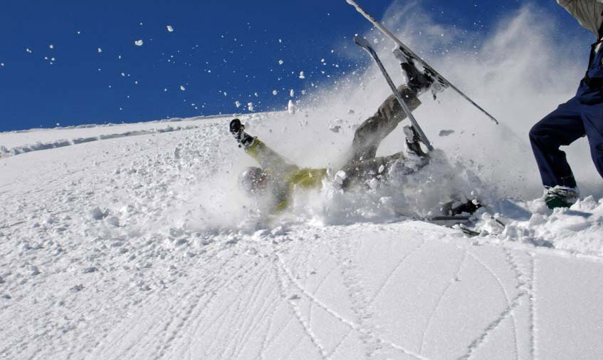 10 Ski And Snowboard Etiquette Tips