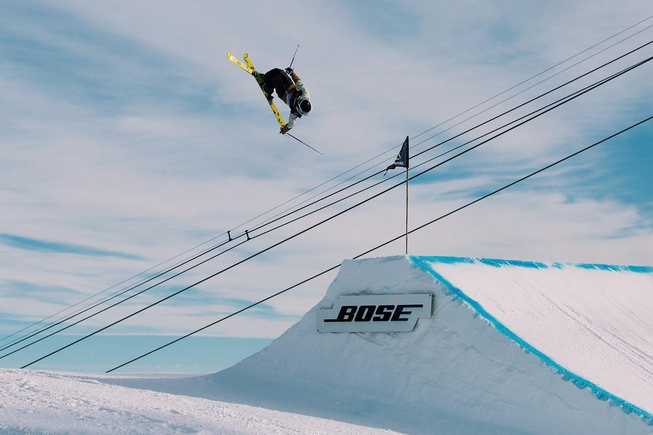 Julia Krass Kulkea Skier